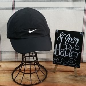 Nike featherLite Dri-Fit Cap